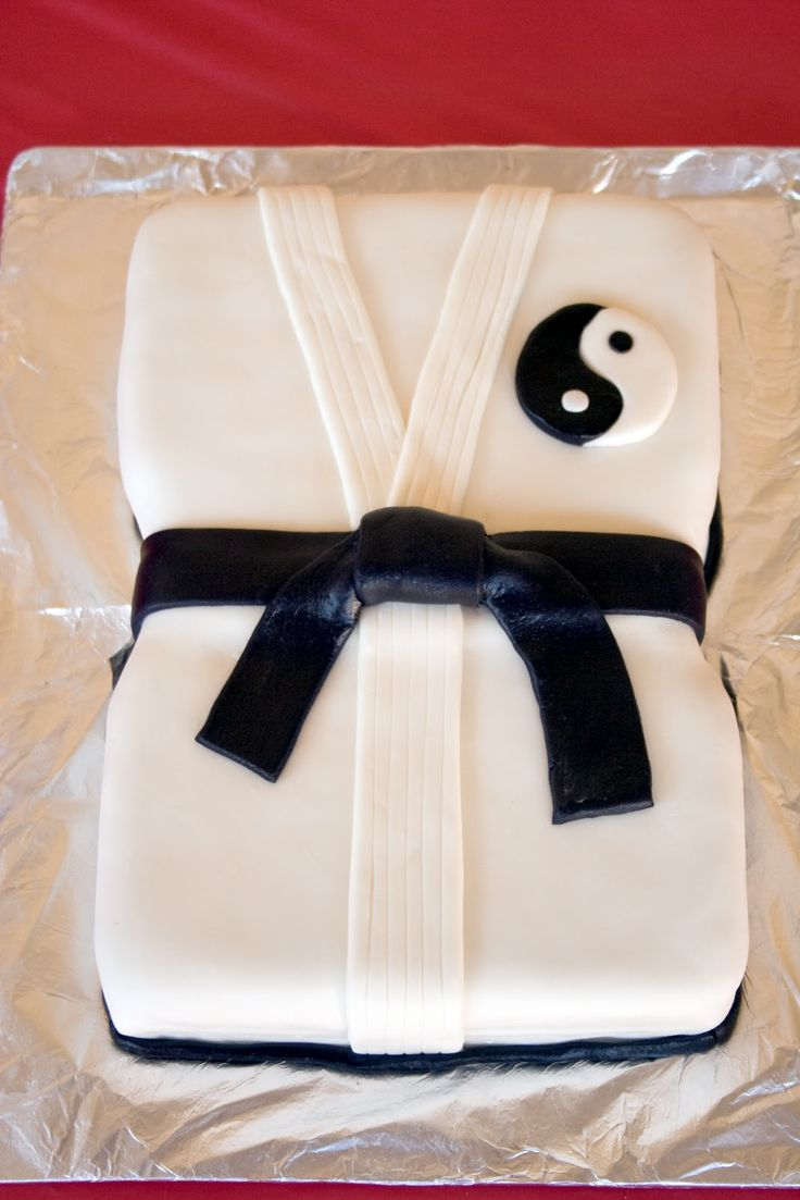 ideas about Karate Cake on Pinterest  Karate party, Karate birthday ...