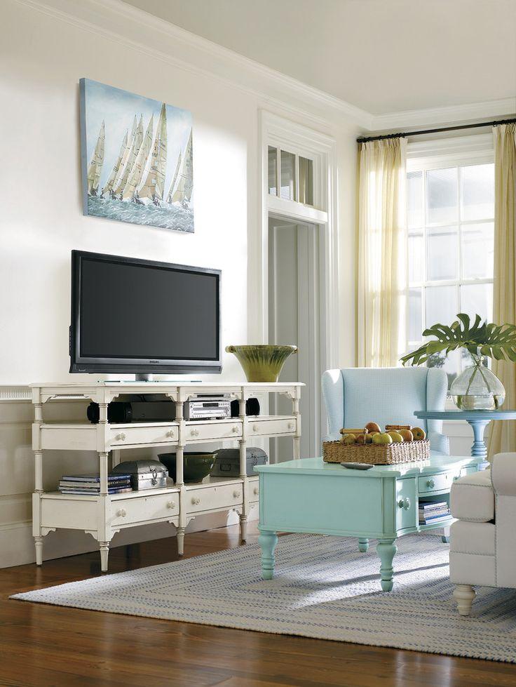 Тумбочка под телевизор: 45 современных идей для гостиной (фото) http://happymodern.ru/tumbochka-pod-televizor-45-foto-sovremennye-varianty-dlya-gostinoj-2/ Мебель с ручной резьбой придаст элегантности вашему интерьеру