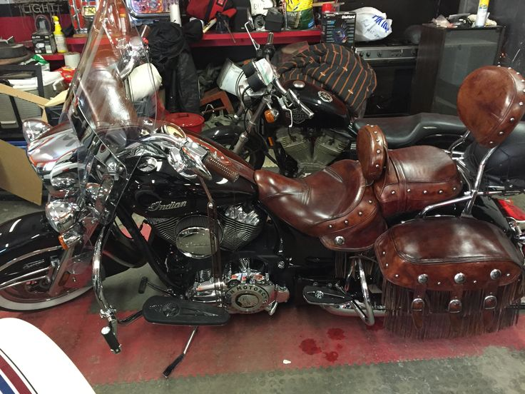 2014 Vintage Chief with a high flow air breather and passenger floor boards'