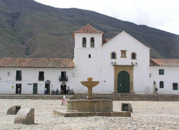 Oltre 25 fantastiche idee su coloniale spagnolo su for Arredamento in spagnolo