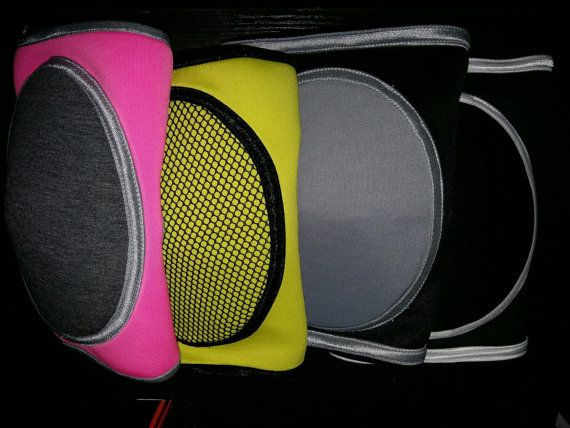 Knee pads are the best protection of your knees during trainings and dance. Our knee pads are comfort and pretty👍🏻😉. Youll get pleasure on your dance lessons. Sizes are s or m.