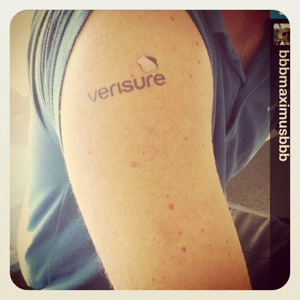 ¡Hazte fan de Verisure!  #fanofverisure  Instagram: @verisure_spain Twitter:AlarmasVerisure www.verisure.es