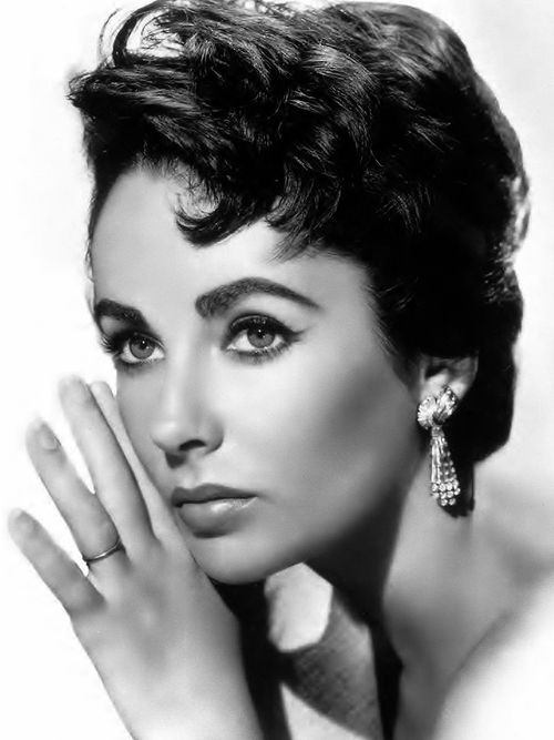 Elizabeth Taylor  beauty before the age of cosmetic surgery
