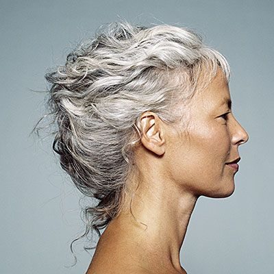 10 Secrets of People Who Age Gracefully