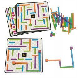 Sur chacune des planches, des chemins sont dessinés dont un seul est entre 2 blocs. Retrouvez-le puis construisez-le à l'identique avec les barres de différentes longueurs. Un excellent jeu qui prépare d'autres apprentissages en développant la vision sélective. 44 pièces, 24 cartes recto-verso. Dim. Cartes 20 x 20 cm. Dès 6 ans