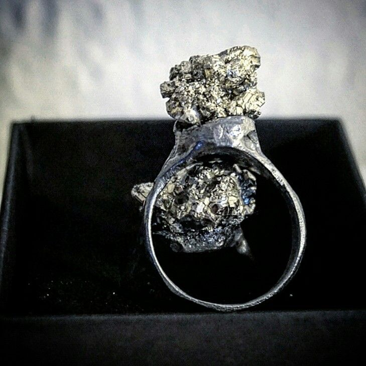 Custommade ring. #jewellery #jewelry #raw #stone #pyrite #silver #oxidized