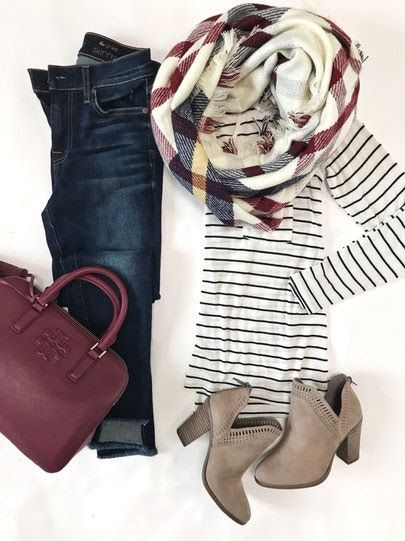 Casual yet chic fall outfit inspiration with Burgundy accessories