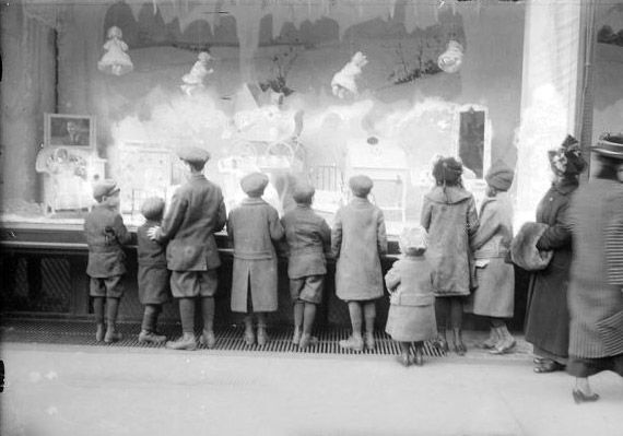 1920 Macy S Christmas Display Windows Pinterest