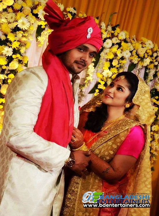 Arifin shuvo got married with a girl from Kolkata Arpita Shomaddar and entered into the new life