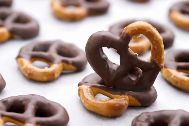 Great for snacks for kids and adults alike, this dairy-free chocolate covered pretzels recipe uses just three ingredients and only takes minutes to prepare.