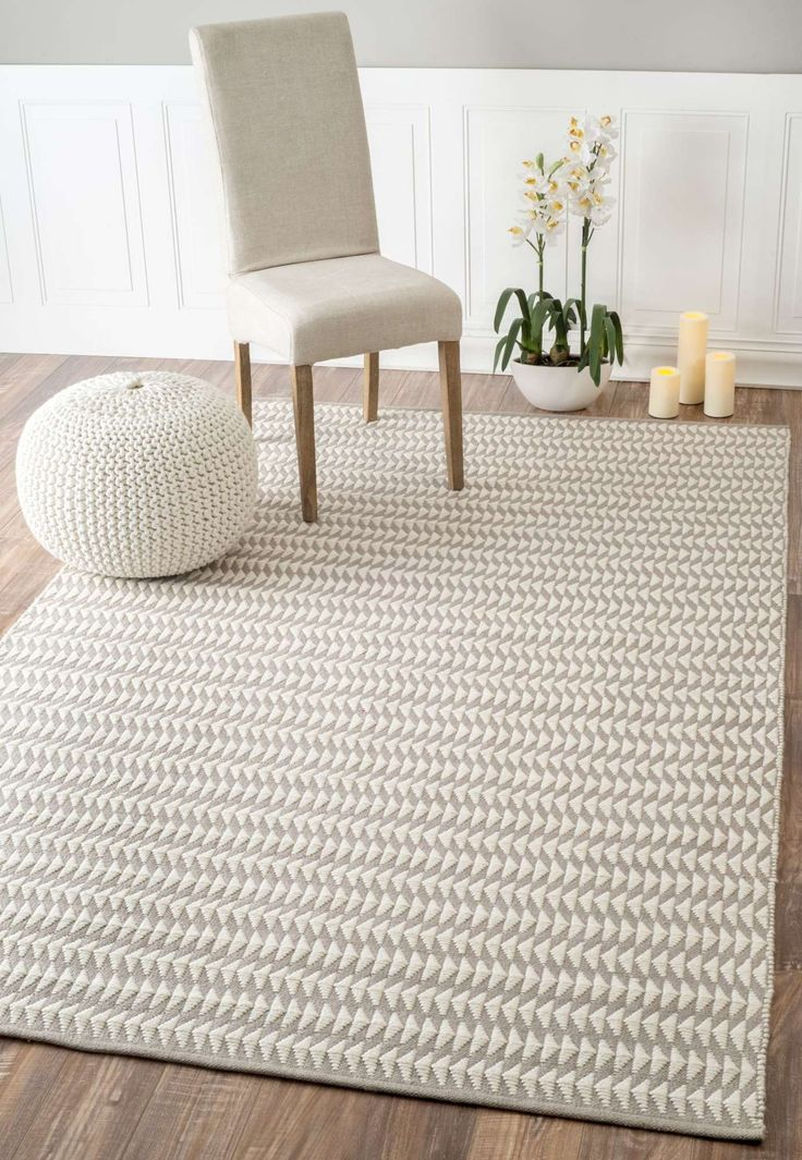 Inspired by contemporary design, the hand woven geometric patterned rug is made up of 100% PET Yarn. Perfect for the patio, deck, backyard or along the pool, this rug works well for indoor spaces too and is easy to maintain.