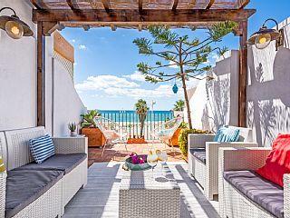 Casa+frente+al+mar+encantador+con+terraza+y+vistas+al+mar+increíbles+vistas.+++Alquiler de vacaciones en Málaga de @homeaway! #vacation #rental #travel #homeaway
