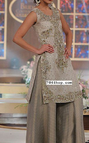 bfc25e4779 Grey Crinkle Chiffon Suit | Buy Pakistani Fashion Dresses and Clothing  Online in USA, UK