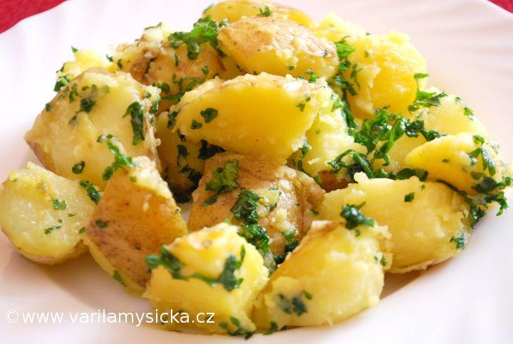 Nejsou brambory jako brambory. Stačí vědět, jak je správně udělat, abychom zachovali co nejvíce vitaminů.
