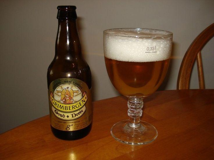 Cerveja Grimbergen Goud (Dorée) 8°, estilo Belgian Golden Strong Ale, produzida por Alken-Maes, Bélgica. 8% ABV de álcool.