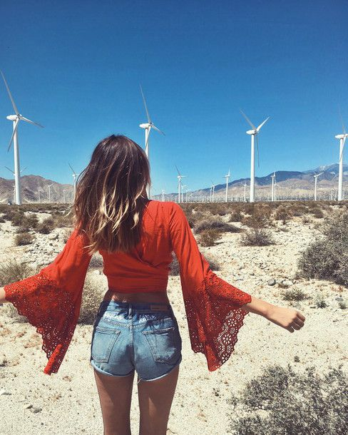 Wheretoget - Red boho crop top with bell sleeves and blue denim shorts