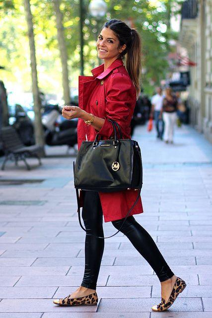 trendy_taste-look-outfit-street_style-AW13-gabardina_roja-red_raincoat-michael_kors-black_leather_handbag-bolso_piel_negro-leo_slippers-slippers_leopardo-leo_print-agatha_paris-jessica_simpson-leather_leggings-leggings_cuero-golden_watch-reloj_dorado-8 by Trendy Taste, via Flickr