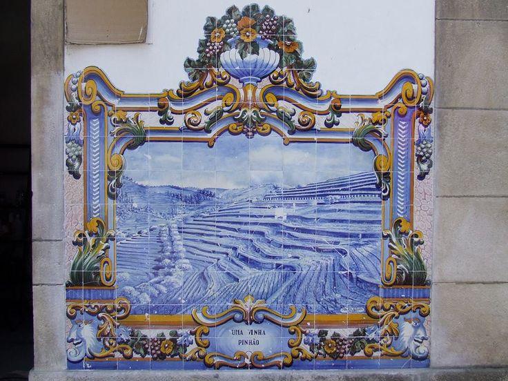 Pinhão, Vila Real [photo: Teresa Bastos Pinto Silva] #polychrome #neobaroque #azulejo #frame #collaborativetimeline