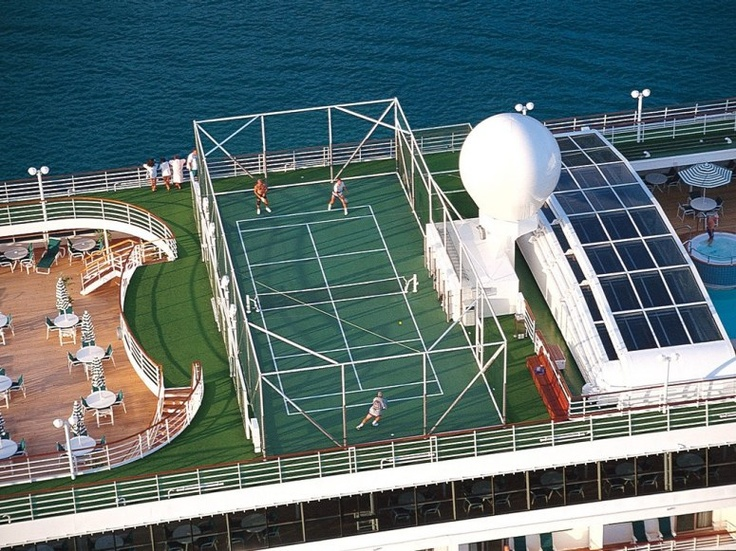 Cruise ship with tennis court ❤