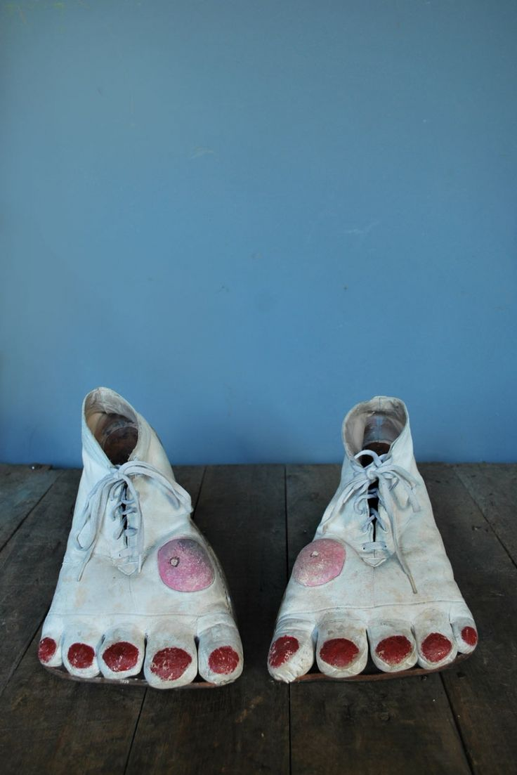 1950s leather clown shoes.// @Serin Anderson don't you have a pair of these?