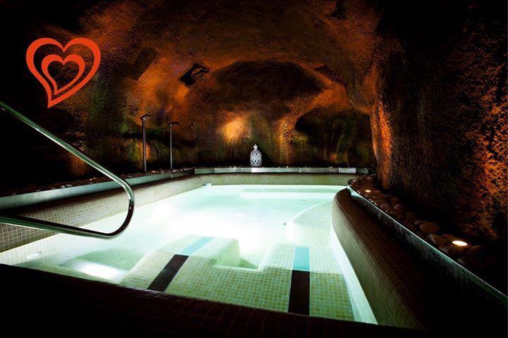 Un San Valentín diferente... Relax y descanso particular en nuestro Spa privado en la cueva termal. Hazlo realidad aquí http://bit.ly/1nYruA6