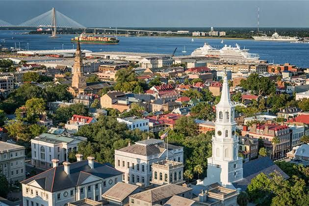 What to Do in Charleston, South Carolina on Your Mini Moon