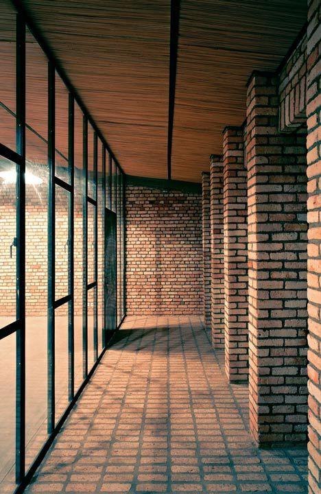 Dominikus Stark Architekten, clay brick education centre, Rwanda