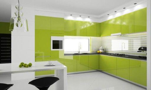 Функциональная, практичная и красивая бело-зеленая кухня оформлена в современном стиле