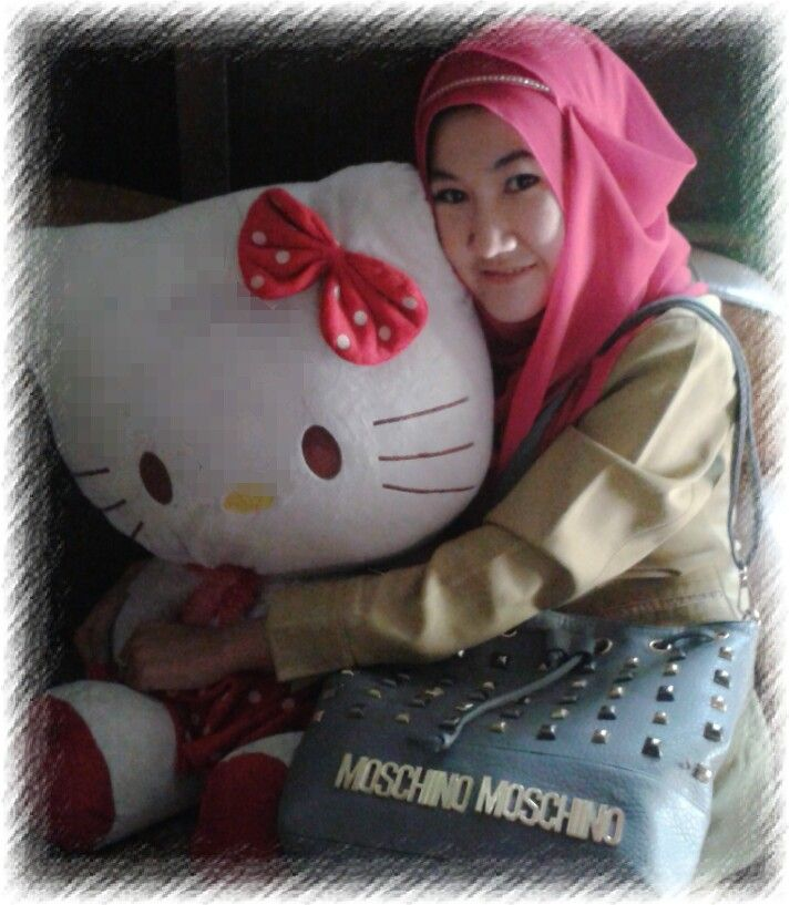Meee and kitty ♡♡♥♥