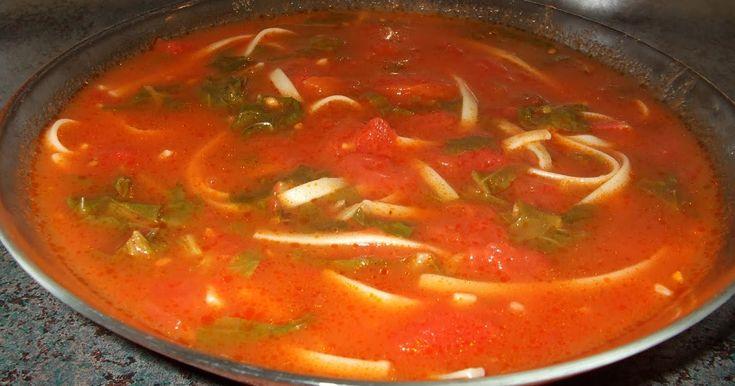 Un bon goût bien tomaté. J`ai doublé cette recette et remplacé une boîte de 19 oz de tomates en dés  par 19 oz de jus V8.  Ingrédients  1 c....