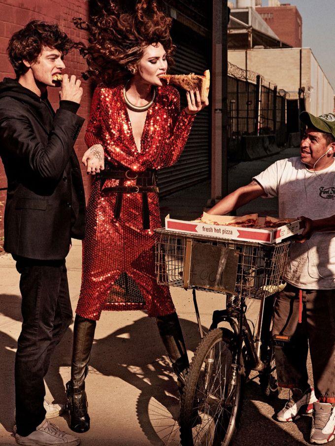 Кэтрин Макнил в Allure Magazine \ Fashion Photo  Топ-модель Кэтрин Макнил (Catherine McNeil) позировала Джампаоло Сгуре (Giampaolo Sgura) на страницах декабрьского выпуска Allure Magazine.