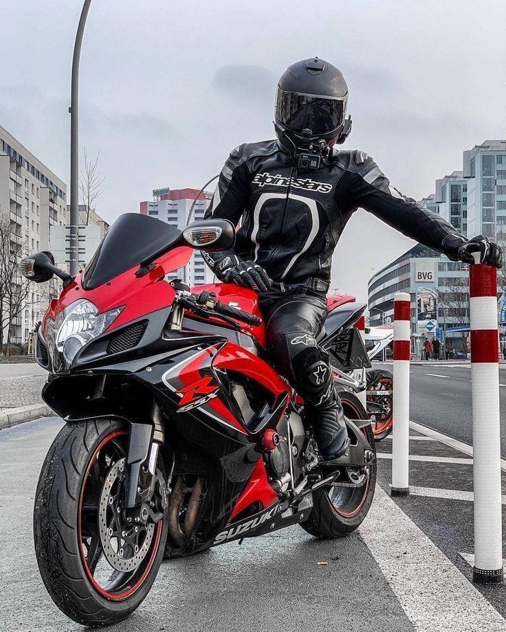 Pin Von Ulrike Kurzendorfer Auf Mot Fahrer In 2020 Motorrad Fahren Ducati Biker