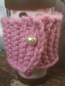 Knit Coffee Cozy, if anyone can make this, I totally want one!!!
