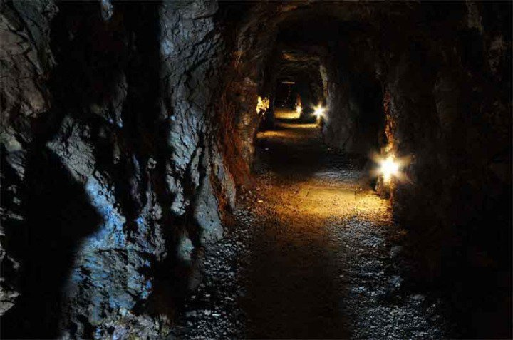 Túnel de entrada a la Mina Agrupa Vicenta