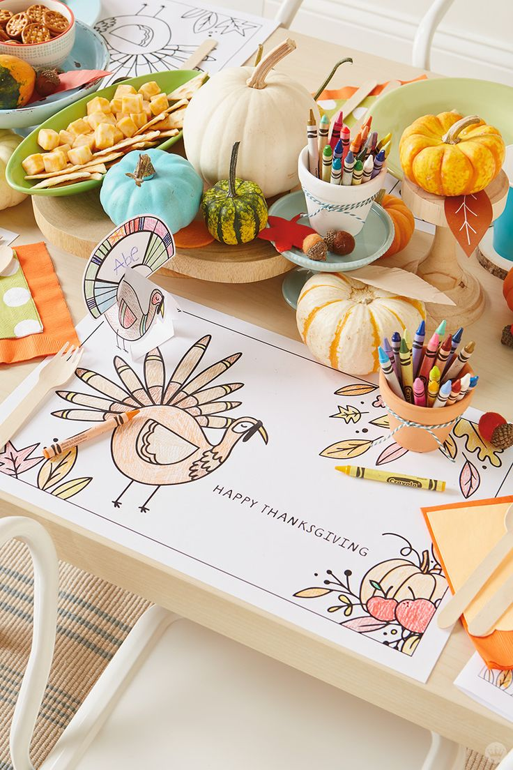 Thanksgiving kids' table crafts: 3 free downloadable activities