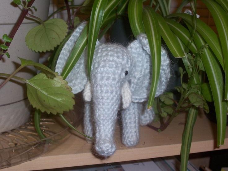 Crochet Elephant THis is cute