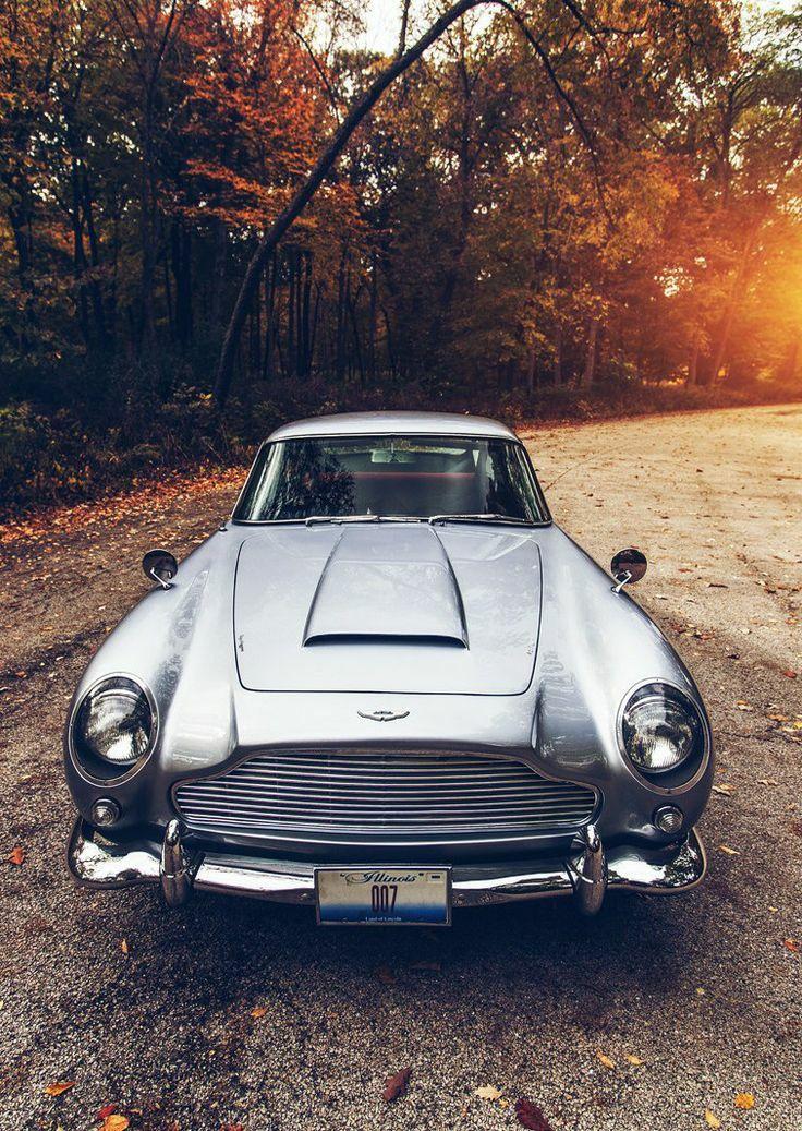 Aston Martin DB5.