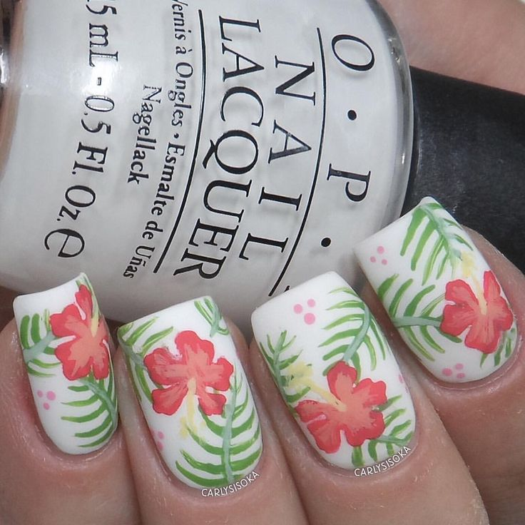Pretty hibiscus mani from @carlysisoka