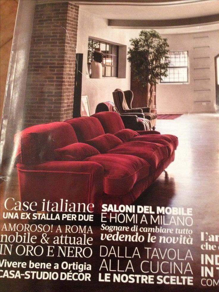 Divano raffles di vico magistretti per de Padova rivestito in velluto rosso etro