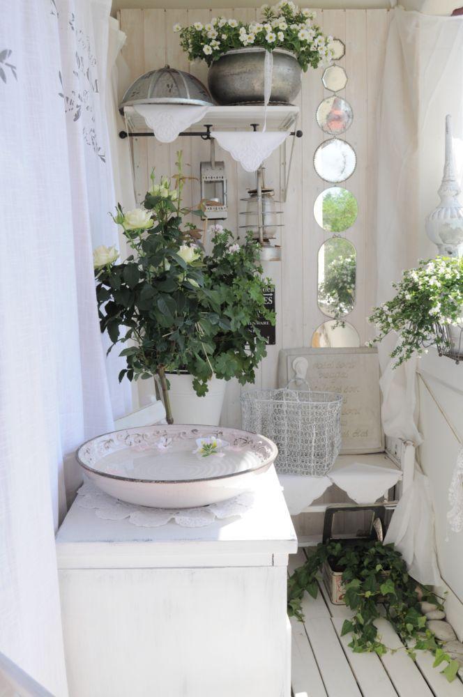 Inspiration i vitt: Sommar balkong, mirrors, mirrors, mirrors