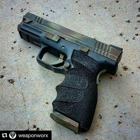 Springfield XD 40 with WeaponWorx Stippled Grip