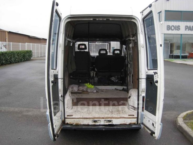 utilitaire renault trafic fourgon tole t 900 d court sureleve 6 6m3 1995 diesel occasion saran. Black Bedroom Furniture Sets. Home Design Ideas