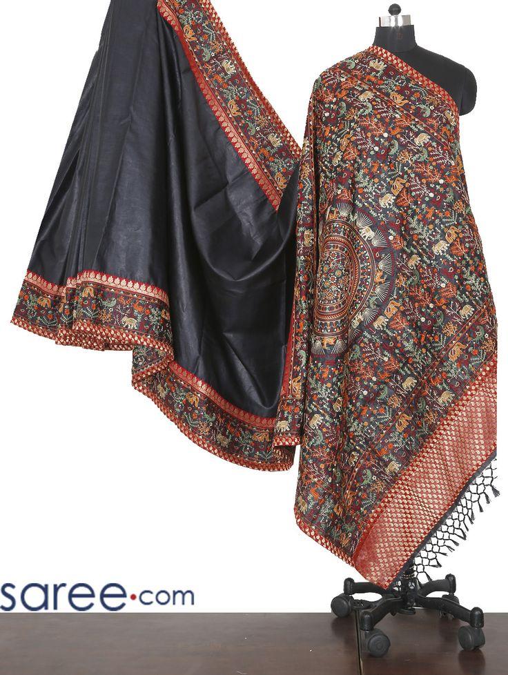 BLACK PURE SILK SAREE WITH RESHAM WORK  #Saree #Kanjivaram #Silksaree #Sari #Silksari #blacksaree #Puresilksari #Indianfashion #Fashionindia #Sareelover