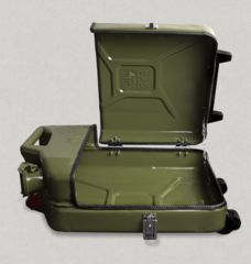 Danish Fuel Jerry Cans luggage | ☛ ۞ 121° https://de.pinterest.com/skratdanceclub/gaz-69-4-x-4-jeep/