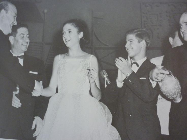 """Un tuffo nel 1963 quando Gigliola Cinquetti e Bruno Filippini vinsero la VII edizione del Concorso """"Voci nuove per la canzone"""". #castrocarocolorseppia"""