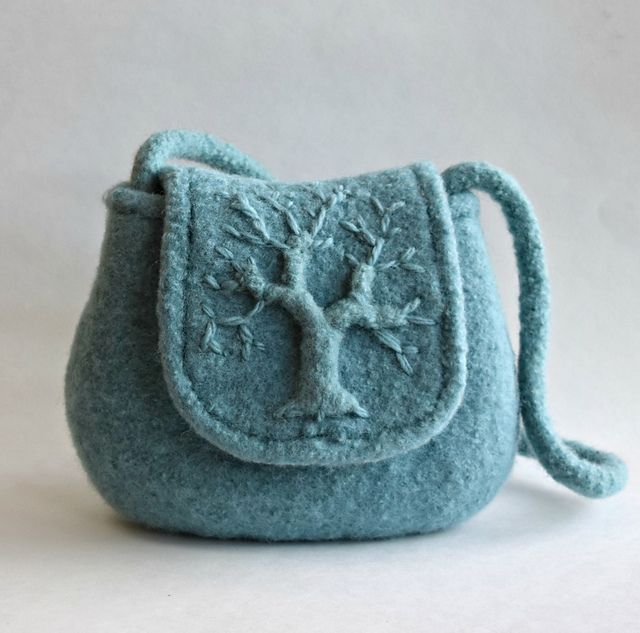 Ravelry: Tree of Life Felted Purse pattern by Cindy Pilon