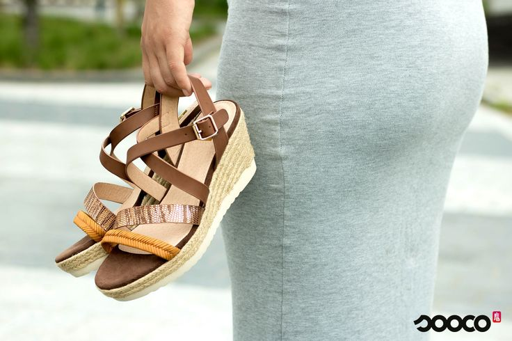shop these orange wedge sandals for €44,95