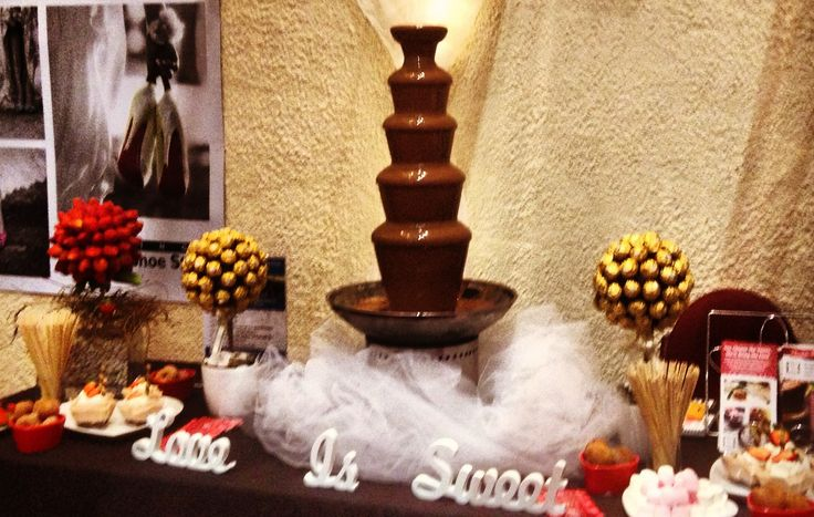 Chocolate fountain 5kg of Cadbury chocolate  Dip strawberries , donuts , marshmallows Have this at your next function  DIY hire 81cm chocolate fountain By me Bjs D'lites catering