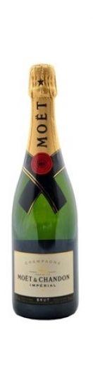 #champagne #moetchandon A cor é de um elegante amarelo-palha com nuances verdes. Os seus aromas são radiantes, revelando um brilho de frutos brancos (maçã, pêra, pêssego branco), os citrinos (limão), nuances florais e elegantes notas louras (brioche e nozes frescas). O paladar é sedutor, ricamente aromatizado e tem uma combinação generosa e elegante, cheia e fina, seguida por uma crispidez delicada e fresca (frutos com sementes), para revelar o mágico equilíbrio do champanhe.