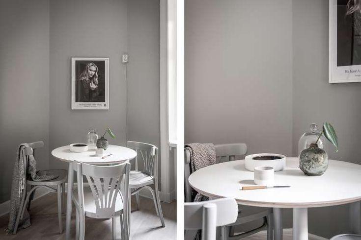Эта небольшая квартира-студия, выполненная в традиционном скандинавском стиле, безмятежна благодаря грамотно подобранной цветовой гамме белого и серого оттенков